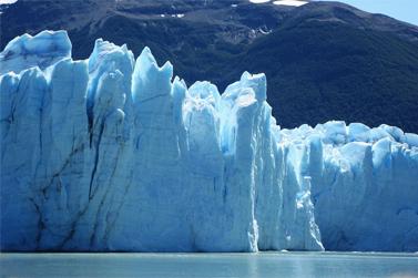 """كتلة """"بيريتو مورينو"""" الجليدية"""