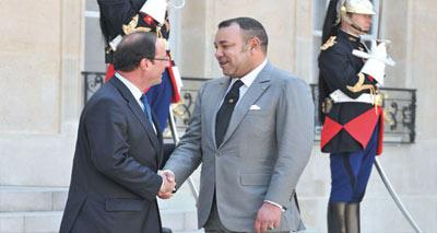 جلالة الملك يجري بباريس مباحثات مع رئيس الجمهورية الفرنسية