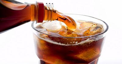 أضرار المشروبات الغازية تماثل خطورة التدخين