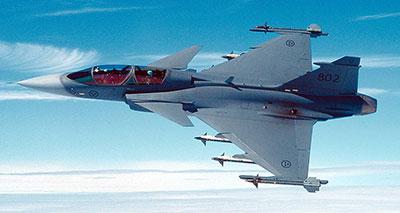 طائرة مقاتلة نوع F4