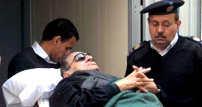 أنباء متضاربة عن الحالة الصحية للرئيس المصري السابق مبارك
