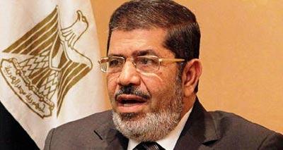 مُرسي: أول رئيس شرعي بعد الإطاحة بالرئيس المصري السابق مبارك