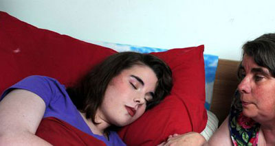«الجميلة النائمة» مراهقة تنام لعدة أشهر متتابعة