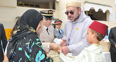 صاحب الجلالة يعطي بتمارة انطلاقة عملية الدعم الغذائي الخاصة بشهر رمضان