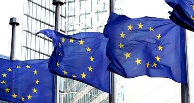 الاتحاد الأوروبي يشدد حظر السلاح على سوريا