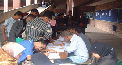 بعض المعاهد والكليات المتخصصة غير قادرة على استيعاب كل الطلبة