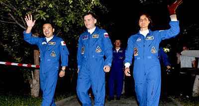 طاقم جديد ينطلق بطريقه لمحطة الفضاء الدولية