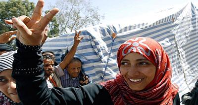 الفائزة بجائزة نوبل للسلام للسنة الماضية الفاعلة السياسية والحقوقية اليمنية، توكل كارمن٬