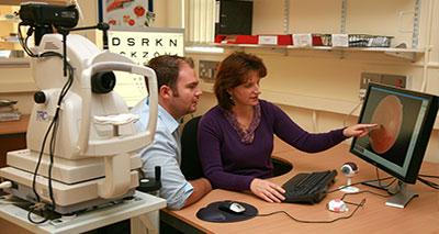 اختبار استخدام الخلايا الجذعية لعلاج فقدان البصر