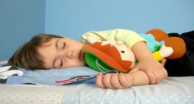 حصول الأطفال على نوم كاف يحسن من أدائهم العلمي