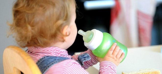 الرضاعات البلاستيكية تهدد صحة الطفل