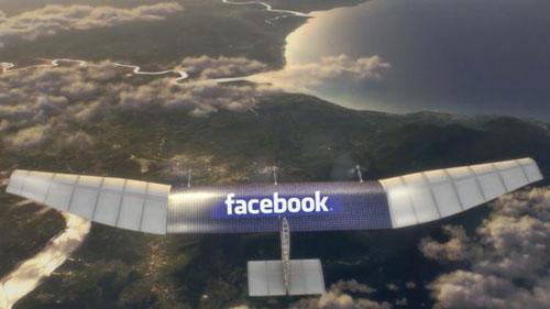 «فيسبوك» يدخل عالم طائرات «درون»