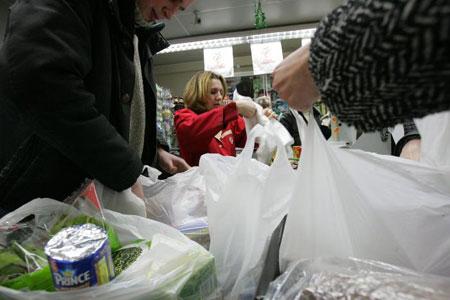 ولاية أمريكية تحظراستخدام الأكياس البلاستيكية