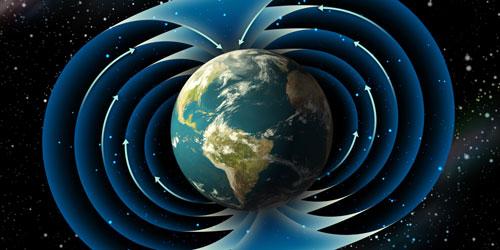 علماء : المجال المغناطيسي للأرض ينعكس بسرعة أكبر من المتوقع