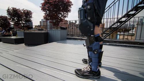 ساق الكترونية لمساعدة المعوقين على المشي من جديد