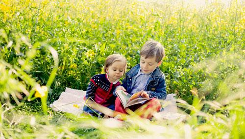 دراسة : القراءة تزيد الذكاء لدى الأطفال
