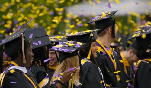 الجامعات الألمانية تصبح مجانية للأجانب والألمان