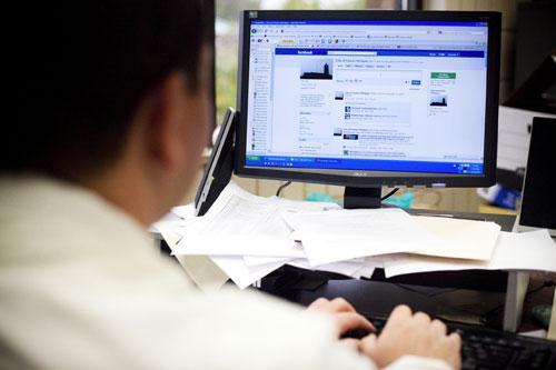 فيسبوك تطور موقعاً جديداً للاستخدام المهني فقط