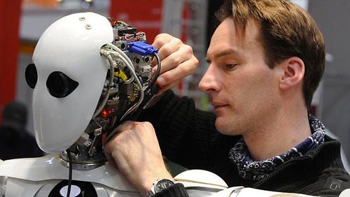هل سيهدد الذكاء الاصطناعي البشرية؟