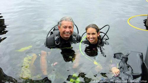 باحثان يقضيان 69 يوما في أعماق البحر