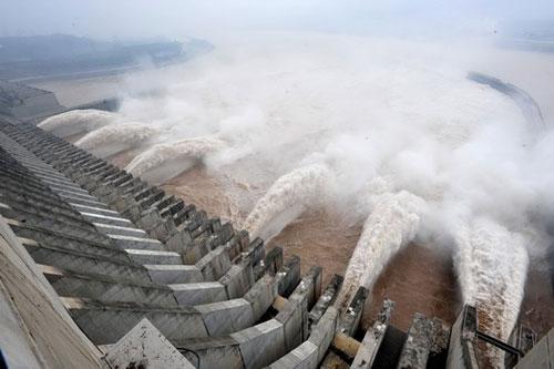 سد صيني يحطم الرقم القياسي العالمي في إنتاج الكهرباء