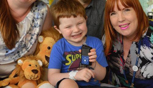 """طفل أسترالي يحصل على """"أول بنكرياس اصطناعي"""" بالعالم"""