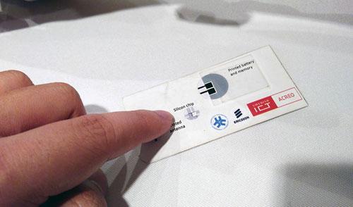 """""""الورق المتصل"""" .. تقنية جديدة تنقل المعلومات عبر جسم الإنسان"""
