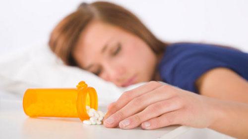 """مشكلات النوم """"إنذار مبكر"""" لانجراف المراهقين إلى تناول المخدرات والجنس الضار"""