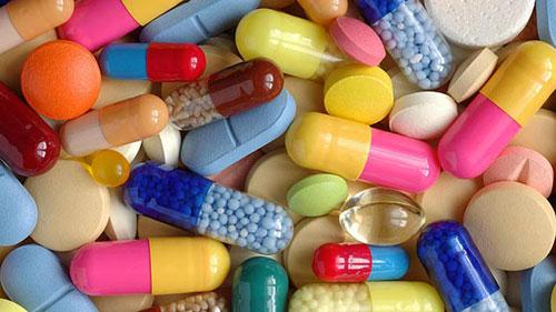 علماء: خطورة المضادات الحيوية والمسكنات اكبر مما نعتقد