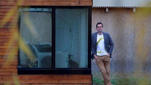 """مهندس معماري مجري يقدم """"منزلا مائيا"""" يقتصد في استهلاك الطاقة"""