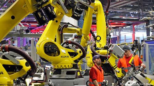 الروبوتات الرخيصة ستهدد فرص عمل البشر قريبا