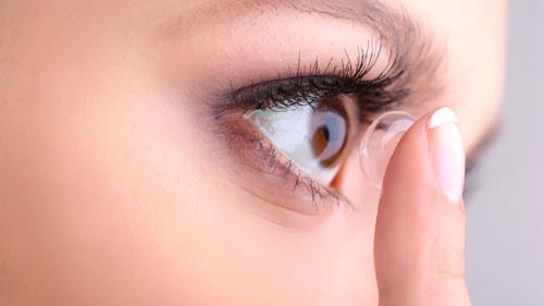 تطوير عدسات لاصقة لتكبير الرؤية 3 مرات