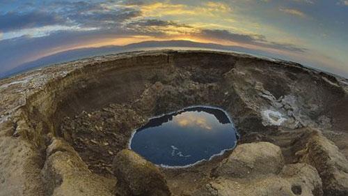 أكثر من 3000 بركة حول البحر الميت والعدد يزداد بشكل مُقلق