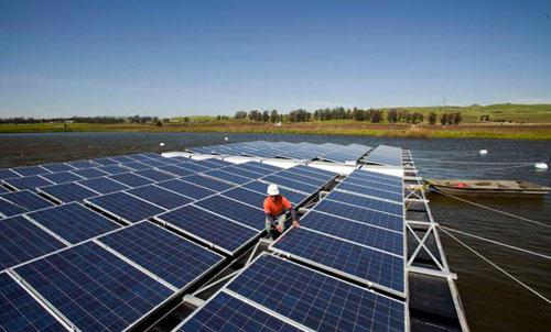 أول محطة عائمة للطاقة الشمسية في أستراليا