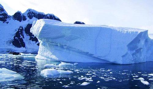 إنخفاض مستوى الجليد الساحلى فى القطبين لأدنى مستوى منذ 1979
