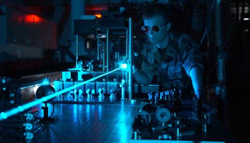 علماء من سويسرا يثبتون أن الضوء عبارة عن موجات وجسيمات معا
