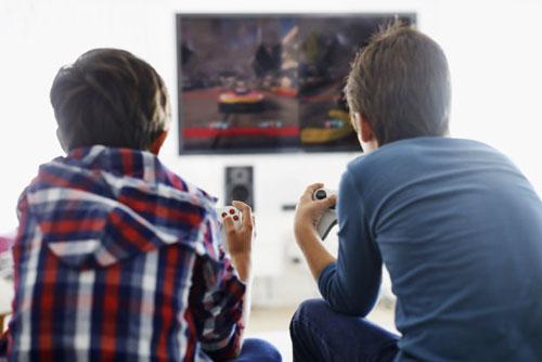 دراسة: ممارسة ألعاب الفيديو باعتدال يمكن أن تعزز التحصيل الدراسي عند المراهقين