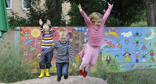 دراسة: الاطفال يكتسبون القدرة على التعلم من الأحداث غير المتوقعة