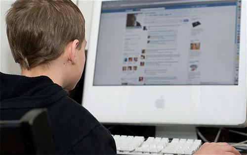 دراسة جديدة تربط بين فيسبوك وأعراض الاكتئاب