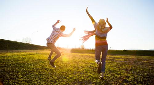 السعادة تفرز مواد كيميائية تنتشر من خلال رائحة العرق