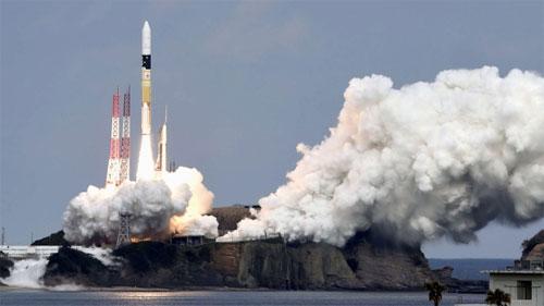 اليابان تخطط للقيام بأول هبوط على القمر بحلول عام 2018