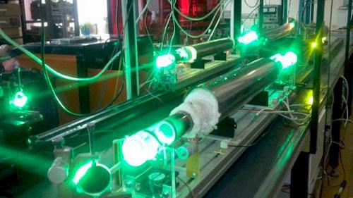 جهاز ليزر لقص العظام والأنسجة