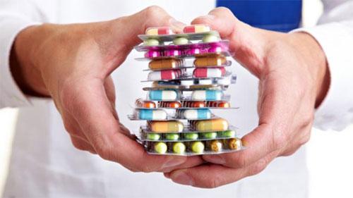 العلماء يحددون من الذي يعاني من الأعراض الجانبية للأدوية