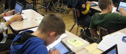 Pour apprendre, mieux vaut une tablette pour deux qu'une tablette par personne