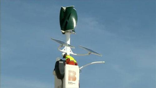 برشلونة تضيئ شوارعها بالطاقة الشمسية وطاقة الرياح