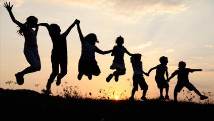 Les pays où les enfants sont les plus heureux (et ceux où ils le sont le moins)