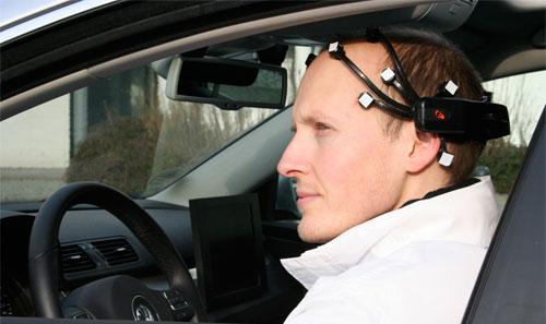 رقاقة إلكترونية تدير الأجهزة بقوة الدماغ