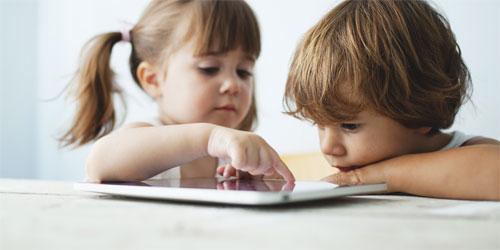 الأجهزة المحمولة خطر إلكتروني يهدد الأطفال