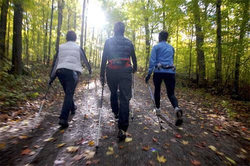المشي دقيقتان كل ساعة يخفض من خطورة عدم الحركة