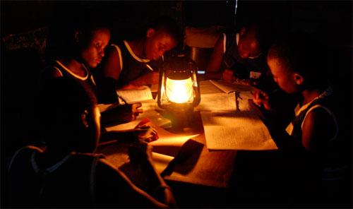 سبع سكان العالم يعيشون بلا كهرباء